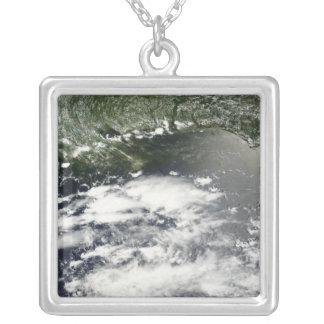 Satellite view of oil leaking 2 pendants