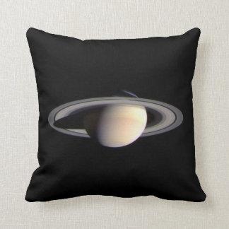 Saturn, planeta de la Sistema Solar Cojín Decorativo