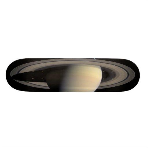 Saturn Skateboard