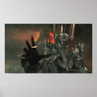 Sauron con la mano posters