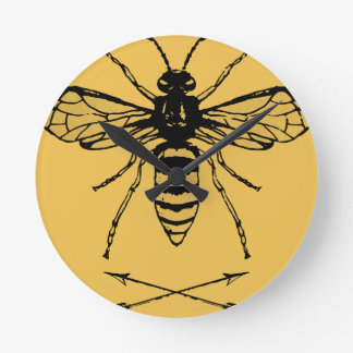 Save the bees round clock
