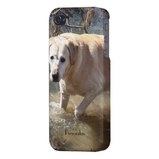 Savvy iPhone 4 case -Yellow Lab Loves the Water