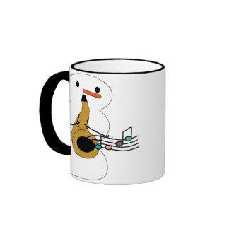 Saxofón con la taza del muñeco de nieve