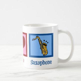 Saxofón del amor de la paz taza