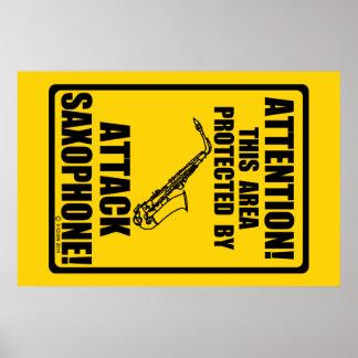 Saxofón del ataque póster