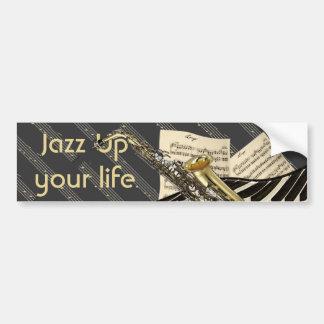 Saxofón y música del piano etiqueta de parachoque
