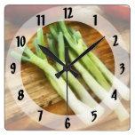 Scallions Relojes De Pared