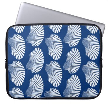 Beach Themed Scallop Shell Block Print, Navy Blue and White Laptop Sleeve