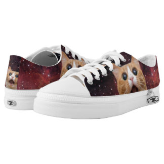 scaredy cat in space Low-Top sneakers