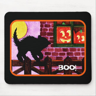 Scaredy cat mouse pad