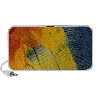 Scarlet Macaw feather pattern, Ara macao iPod Speaker