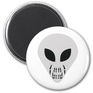 scary alien head 2 inch round magnet