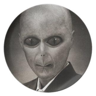 Scary alien portrait plate