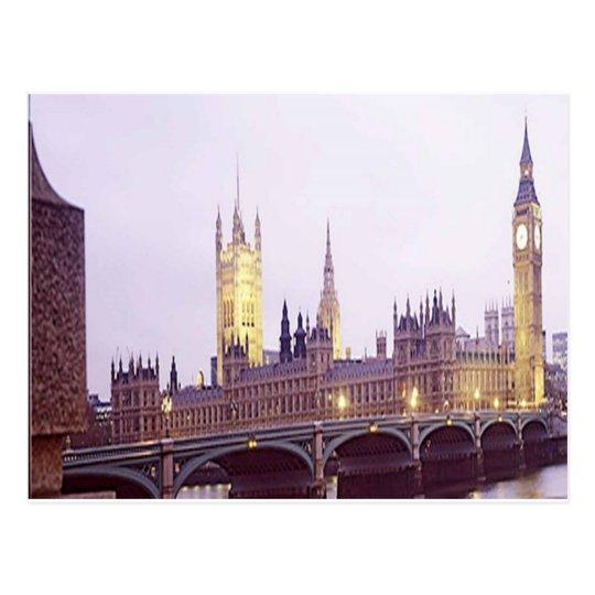 SCENE FROM LONDON ENGLAND (UK) POSTCARD