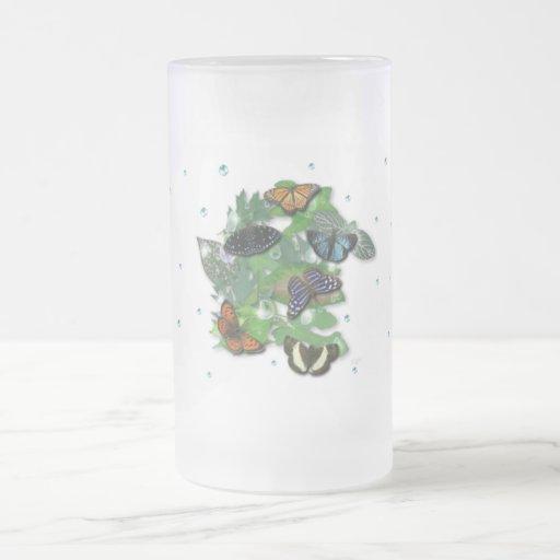 Schmetterlinge mit Blätter, Regentropfen, Perlen Kaffeetasse
