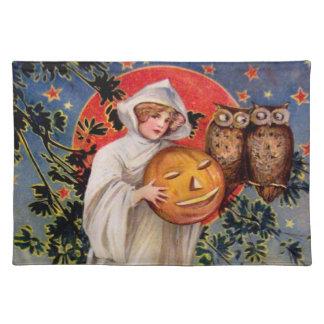 Schmucker: On Halloween Cloth Placemat