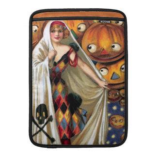 Schmucker: The Magic Halloween Sleeve For MacBook Air