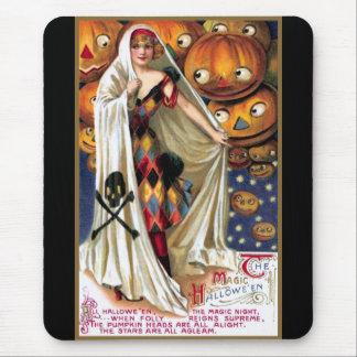 Schmucker: The Magic Halloween Mouse Pad