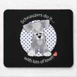 Schnauzer del amor alfombrilla de ratón