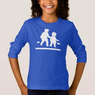 School Children Crossing >> Japanese Traffic Sign T-Shirt
