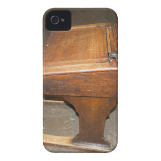 School Desk BlackBerry Bold Case-Mate Barely There iPhone 4 Covers