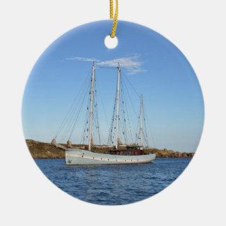 Schooner en las islas de Scilly Adorno Navideño Redondo De Cerámica