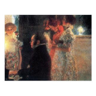 Schubert en el piano de Gustavo Klimt Postal