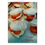 Scones/tortas de la fresa tarjeta de felicitación