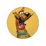 Scooby Doo Airbrush Pose 15 Round Clock