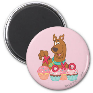 Scooby Doo - Scooby XOXO Cupcakes 2 Inch Round Magnet