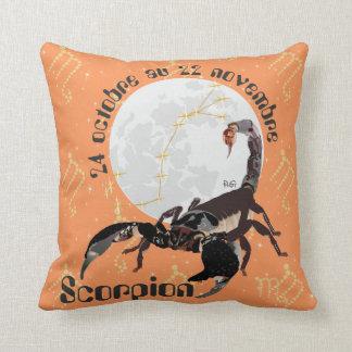 Scorpion 24 octobre outer 22 novembre Coussins Throw Pillow