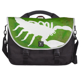 SCORPION GREEN BACKGROUND PRODUCTS BAGS FOR LAPTOP