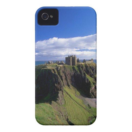 Scotland, Aberdeen. Dunnotar Castle. Case-Mate iPhone 4 Case