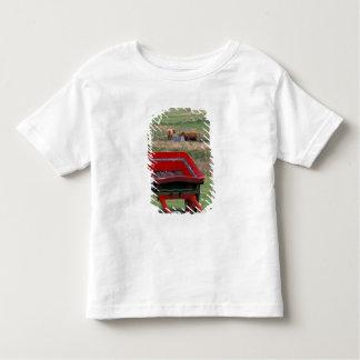 Scotland, Isle of Skye, Kilmuir. Farm animals T-shirt