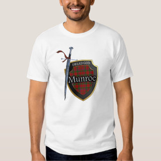 Scottish Clan Munroe Munro Tartan Shield and Sword T-shirt