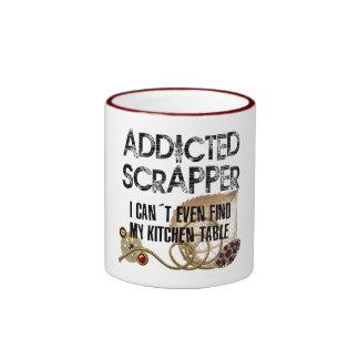 Scrapper adicto taza de dos colores