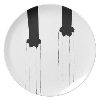 _scratch-a-licious dinner plate