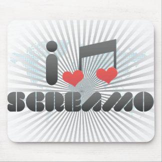 Screamo fan mouse pad