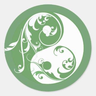 Scrolling Yin & Yang (green) Classic Round Sticker
