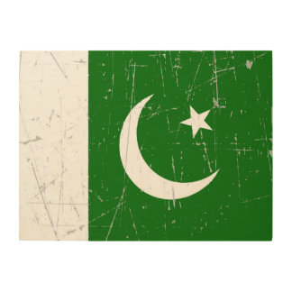 Scuffed and Scratched Pakistani Flag Wood Wall Art