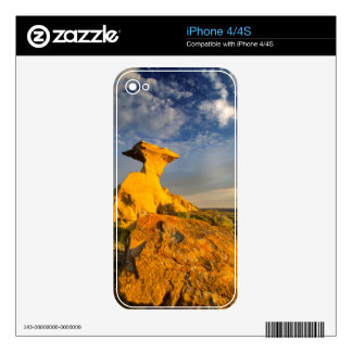 Sculpted Badlands Formation In Short Grass Skin For iPhone 4S