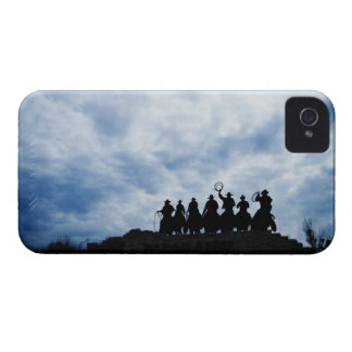 sculpture that welcomes you to Dodge City Kansas Case-Mate iPhone 4 Case