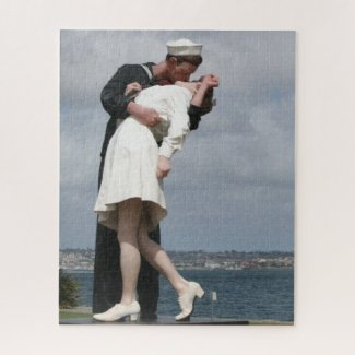 Sculpture Unconditional Surrender in San Diego Jigsaw Puzzle
