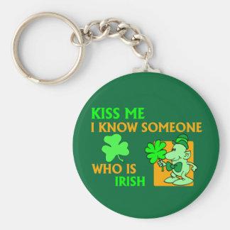 Sé alguien que es irlandés llaveros