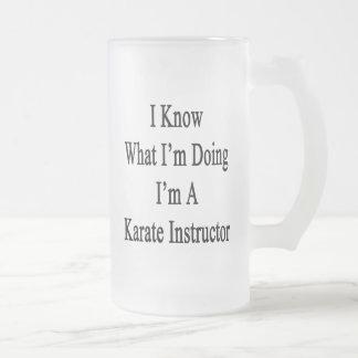 Sé cuál soy haciendo yo soy instructor del karate taza cristal mate