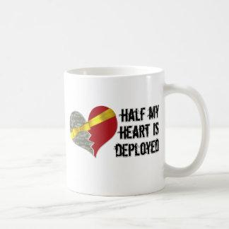 se despliega el medio corazón taza de café