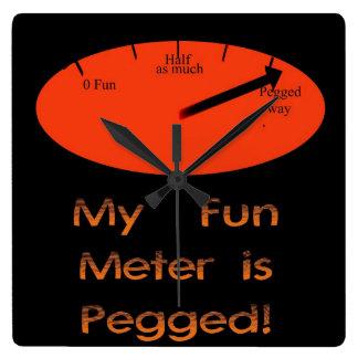¡Se fija mi metro de la diversión! Reloj de pared