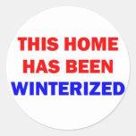 Se ha acondicionado para el invierno este hogar pegatinas redondas