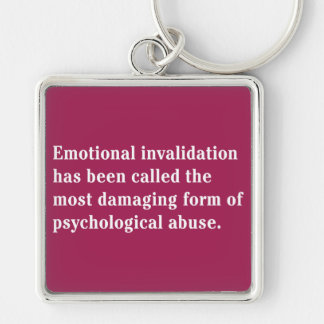 Se ha llamado la anulación emocional… llavero cuadrado plateado