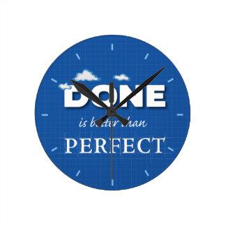 Se hace mejor que perfecto reloj redondo mediano
